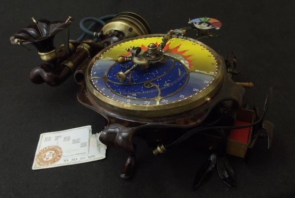 Часы с пеналом. Камуфлет.