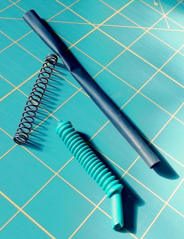 Гофра из пружины и термотрубки