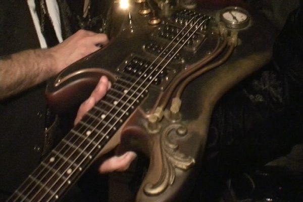 Паро- электрическая гитара... Ну вы все поняли, да :)