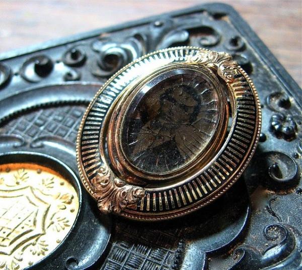Запоминающиеся ювелирные изделия Викторианской эпохи (Фото 11)