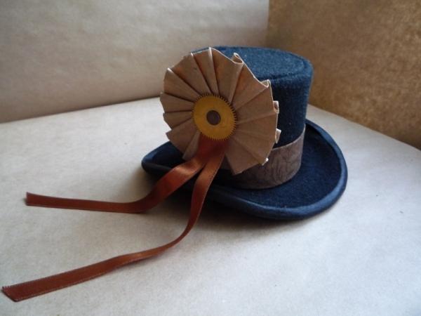 Цилиндр-шляпка Госпожи  Мариоланы