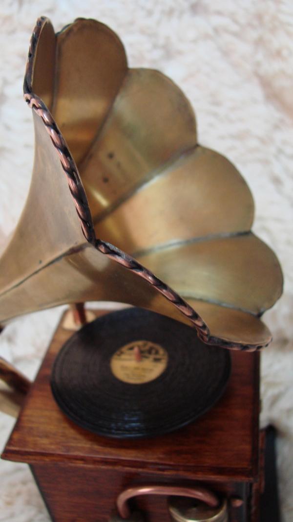 Граммофончик+MP3 Плеер номер два (Фото 6)