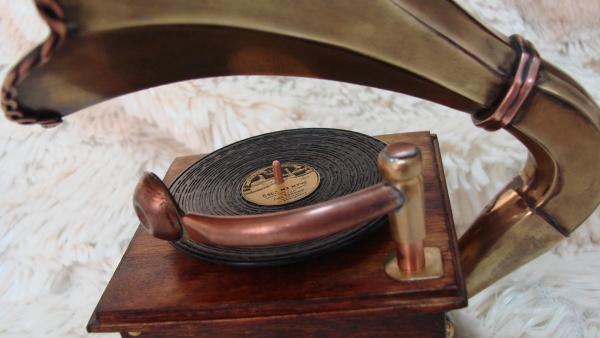 Граммофончик+MP3 Плеер номер два (Фото 7)