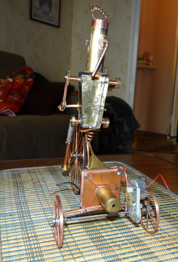 Кузьма на окраине города роботов в сторожевом дозоре (Фото 14)