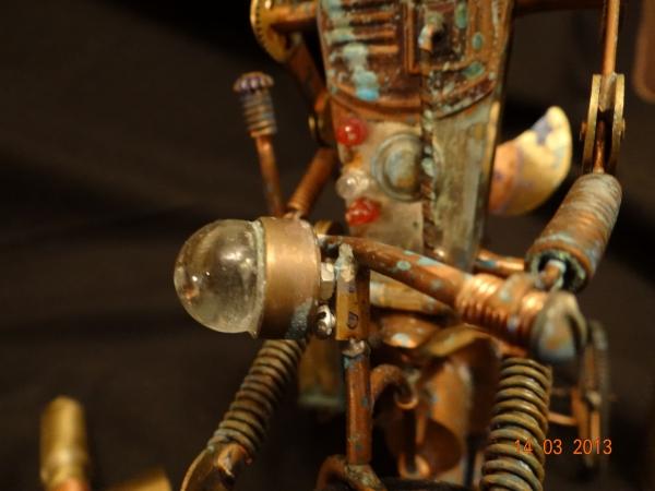 Кузьма на окраине города роботов в сторожевом дозоре (Фото 26)