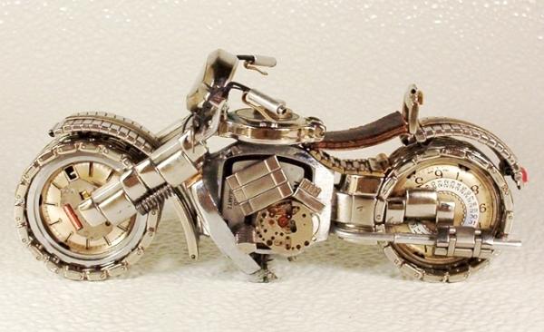 Мотоциклы из деталей часов 1