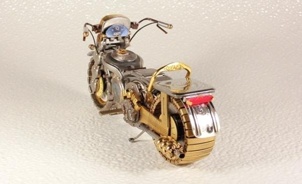 Мотоциклы из деталей часов 3