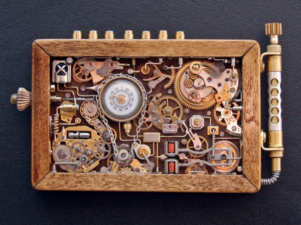 Steampunk или clockpunk Portable Time Machine 1