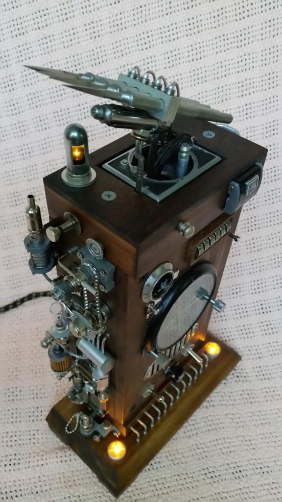 Dieselpunk часы 2