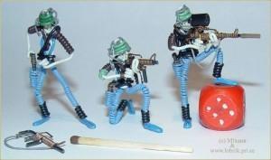 Солдатики из проволоки. (Фото 36)