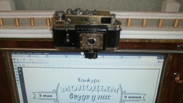Монитор с вебкамерой еще и как дверца...... (Фото 43)
