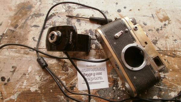 Монитор с вебкамерой еще и как дверца...... (Фото 31)