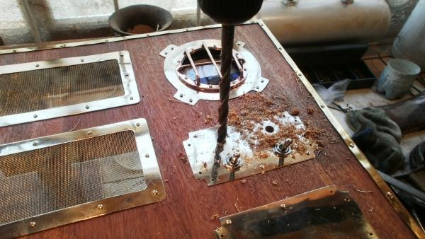 А вот и системник в деревянном корпусе....продолжение проекта. (Фото 60)