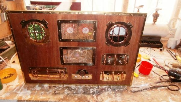 А вот и системник в деревянном корпусе....продолжение проекта. (Фото 86)