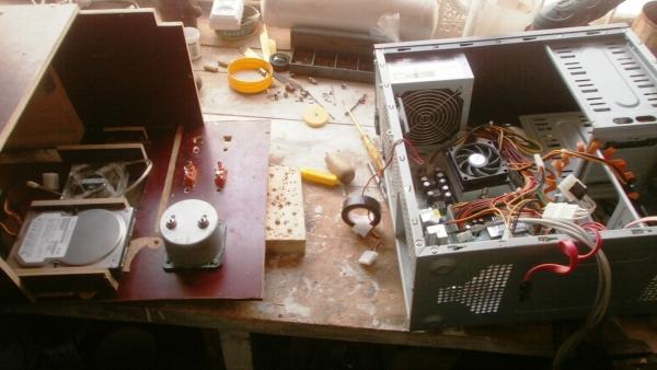 А вот и системник в деревянном корпусе....продолжение проекта. (Фото 78)