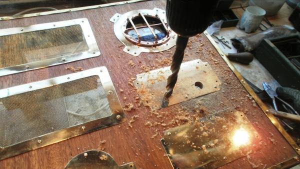 А вот и системник в деревянном корпусе....продолжение проекта. (Фото 59)