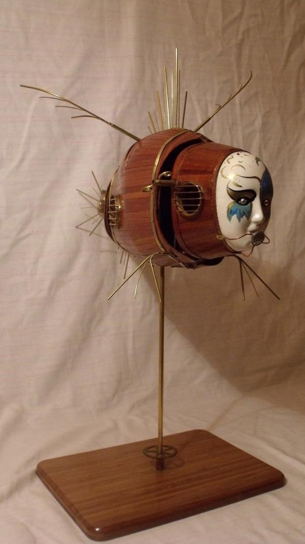 Человек - амфибия (кажется самка) (Фото 2)