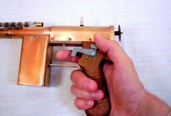 Импульсный лучевой пистолет им. Братьев Маузер (Фото 13)