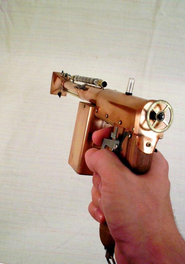 Импульсный лучевой пистолет им. Братьев Маузер (Фото 12)