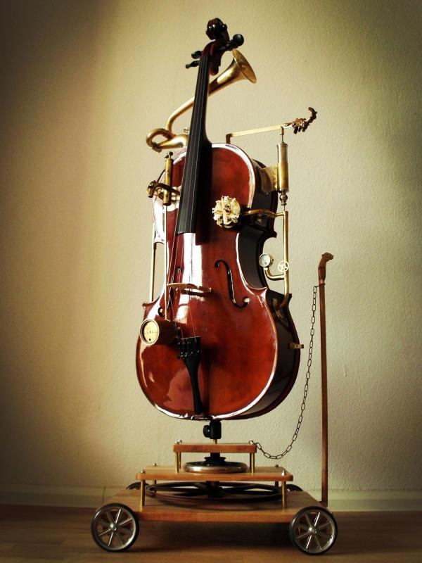 Стимпанк - виолончель! Она же мини-бар, она же арт-объект на колесиках и при музыке!