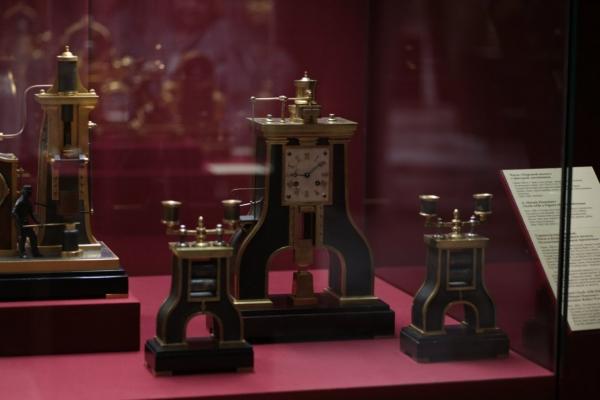 Выставка «В лабиринтах времени. Французские часы XVIII-XIX веков» в Москве. (Фото 15)