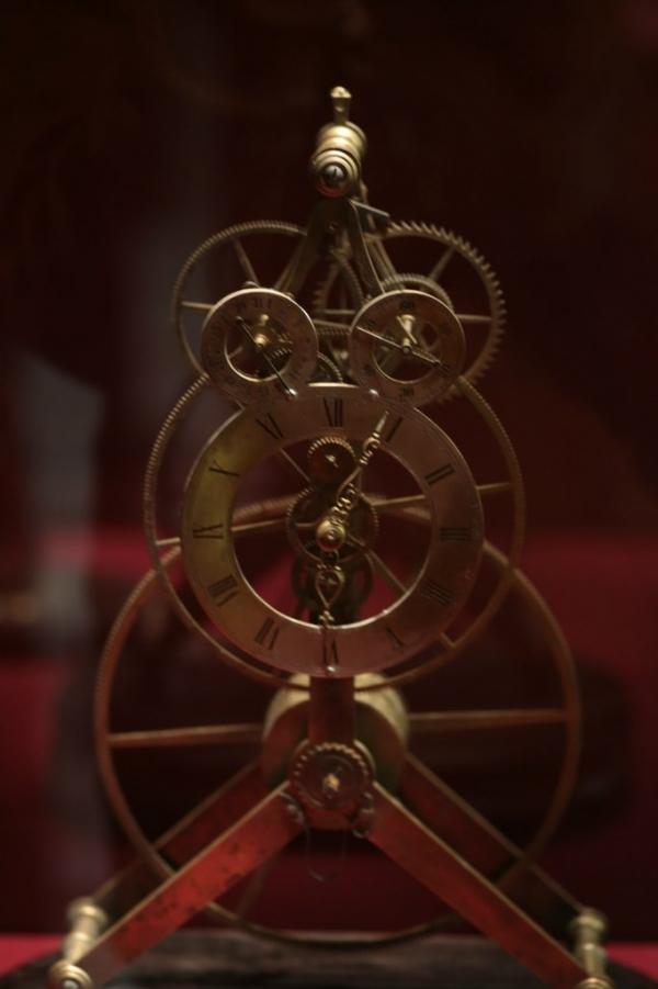 Выставка «В лабиринтах времени. Французские часы XVIII-XIX веков» в Москве. (Фото 13)