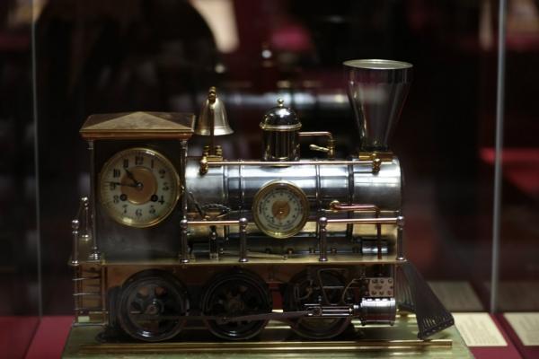 Выставка «В лабиринтах времени. Французские часы XVIII-XIX веков» в Москве. (Фото 3)