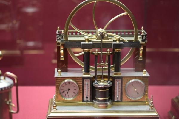 Выставка «В лабиринтах времени. Французские часы XVIII-XIX веков» в Москве. (Фото 17)
