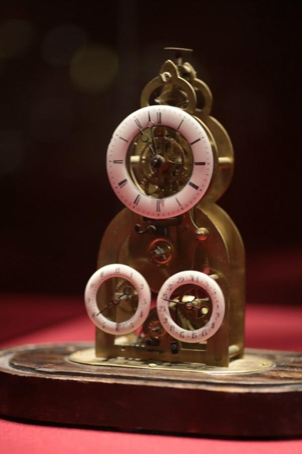 Выставка «В лабиринтах времени. Французские часы XVIII-XIX веков» в Москве. (Фото 12)