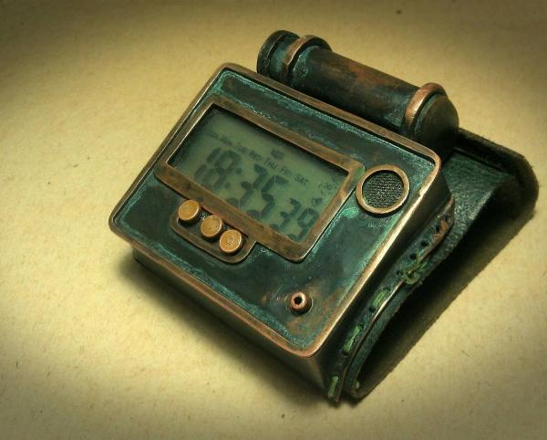 Часы Clk01