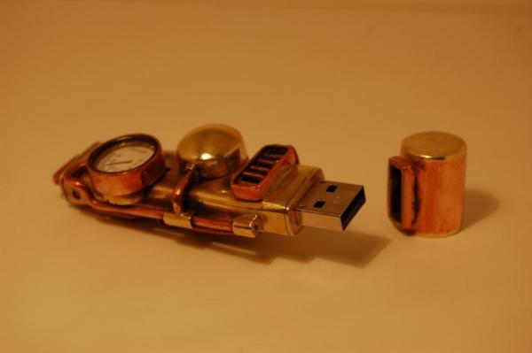 Флешка №2: комбинированная (медь, латунь). (Фото 3)