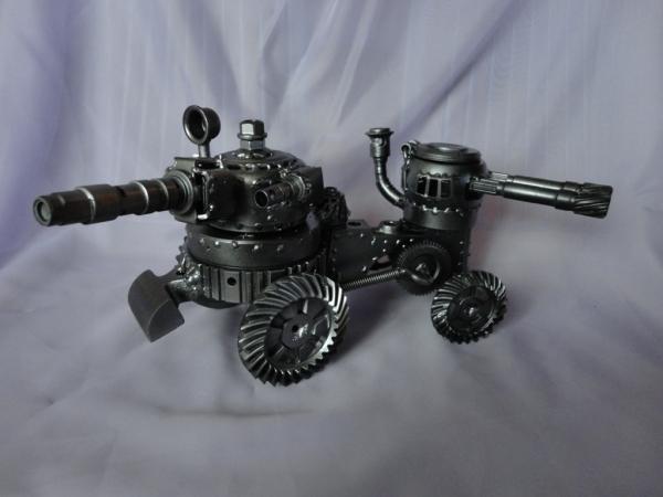 Танк двухбашенный трёхствольный (Фото 3)