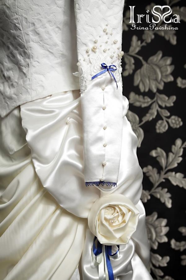 Свадебное платье в викторианском стиле с турнюром. (Фото 6)