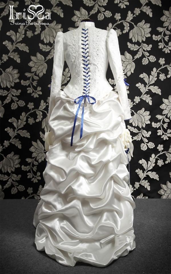 Свадебное платье в викторианском стиле с турнюром. (Фото 4)