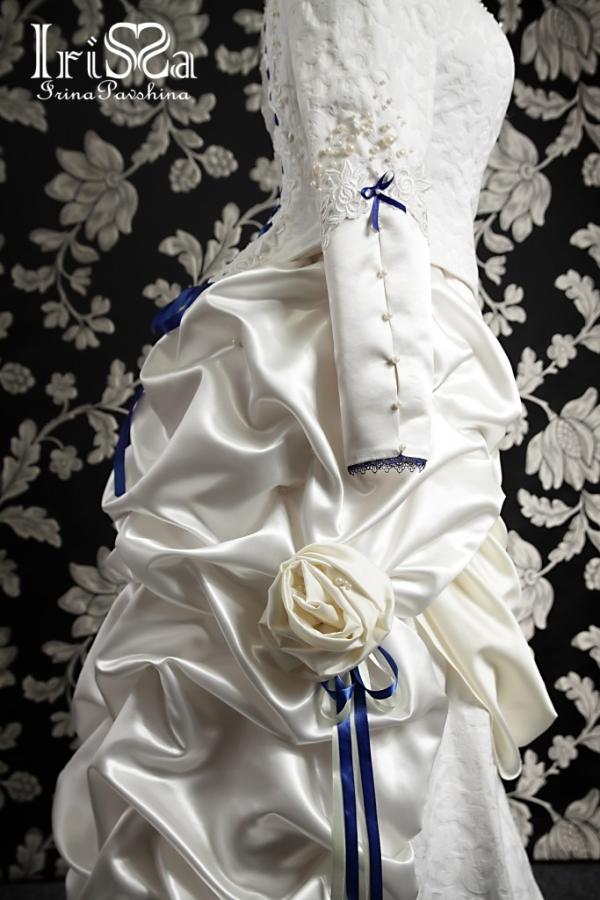 Свадебное платье в викторианском стиле с турнюром. (Фото 3)