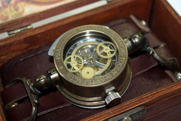 Дизель-стимпанк часы «Praetorius mechanics, magic tools & artefacts» в подарочной коробке.(ПРОДАНЫ) (Фото 4)