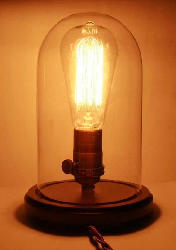 Светильник с лампой Эдисона.