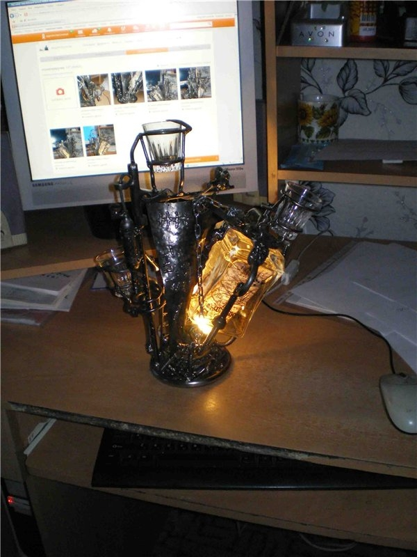 Настольный светильник-рюмочница
