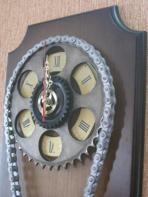 """Часы """"Шестеренки с цепью"""" (Фото 2)"""