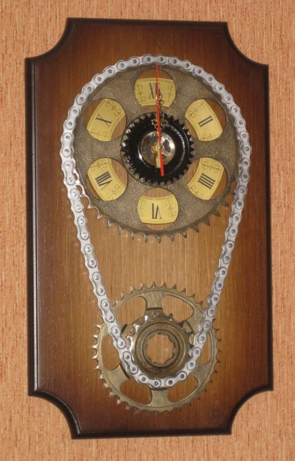"""Часы """"Шестеренки с цепью"""""""