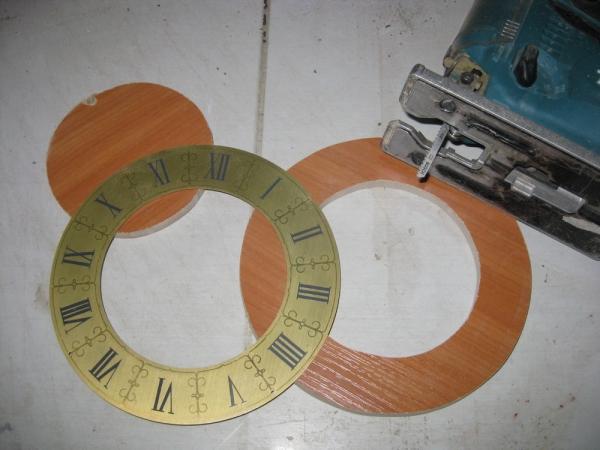 """Часы """"Шестеренки с цепью"""" (Фото 12)"""