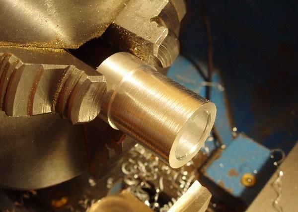 Флешка дизельпанк круглая, с колпачком на резьбе. (Фото 7)