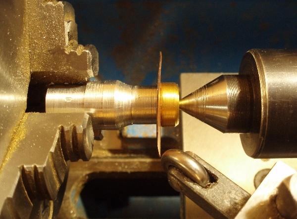 Флешка дизельпанк круглая, с колпачком на резьбе. (Фото 3)