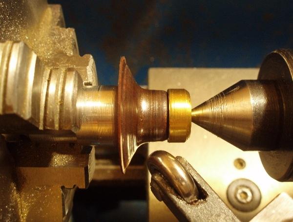 Флешка дизельпанк круглая, с колпачком на резьбе. (Фото 5)