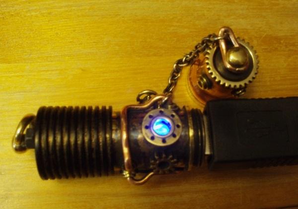 Флешка дизельпанк круглая, с колпачком на резьбе. (Фото 16)