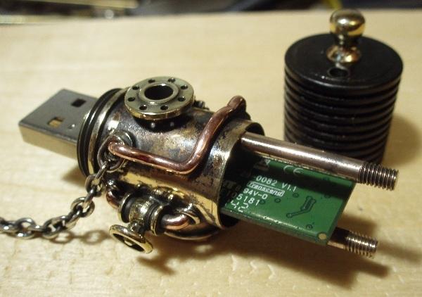 Флешка дизельпанк круглая, с колпачком на резьбе. (Фото 11)