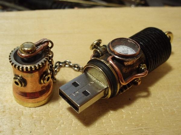 Флешка дизельпанк круглая, с колпачком на резьбе. (Фото 13)