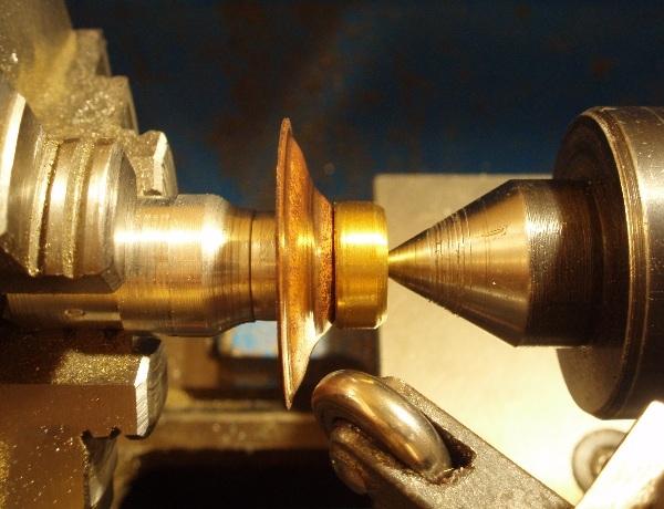 Флешка дизельпанк круглая, с колпачком на резьбе. (Фото 4)