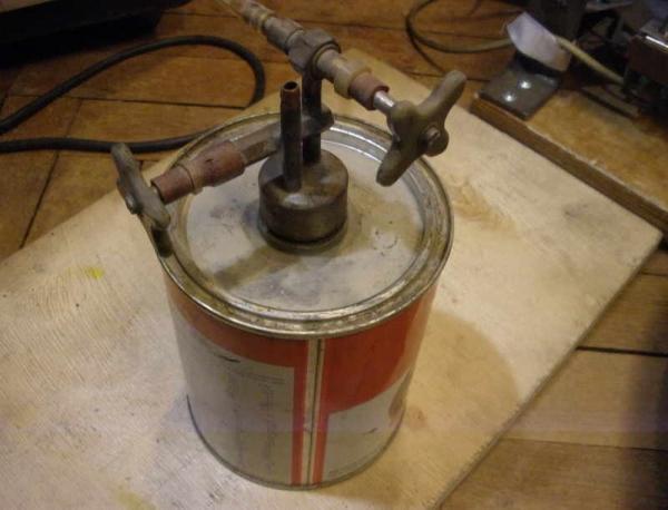Горелка бензиновая, с поджигом.