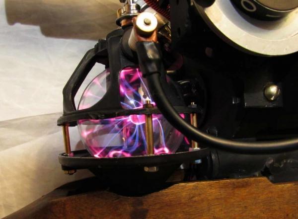 Теплый ламповый Тесла-ган Дитриха фон Дреммеля.